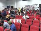 Integrantes do MST fazem protesto em frente a Câmara de Araçatuba