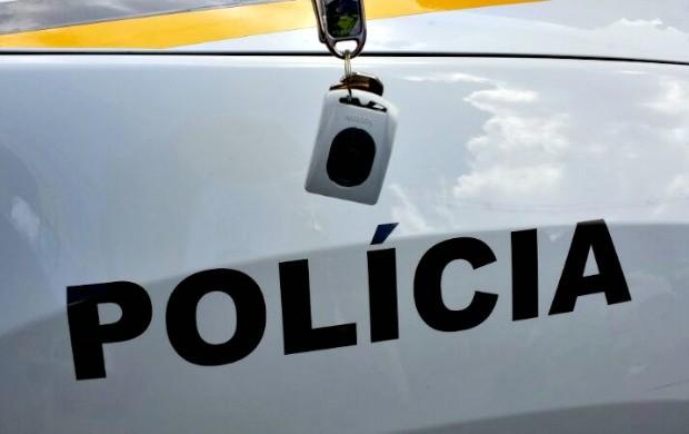 Aparelho para alarme de carro (Foto: Fábio Almeida/RBS TV)