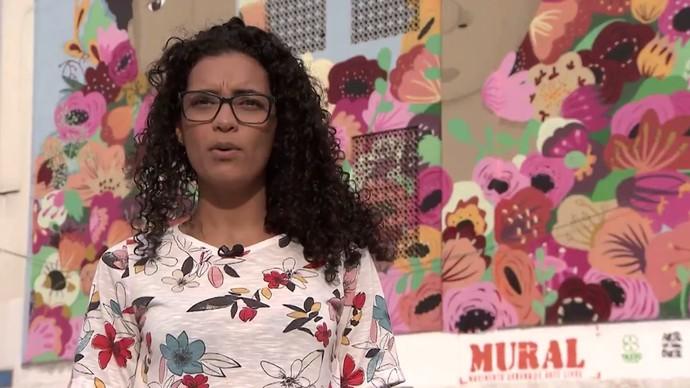 A artista plástica Rebeca Dias representa o universo feminino no grafite (Foto: TV Bahia)