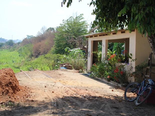 casas interditadas Rio Madeira (Foto: Hosana Morais/ G1)