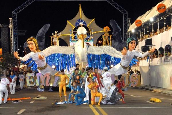 Escola acumula cinco títulos no carnaval amapaense (Foto: Arquivo/Emissários da Cegonha)