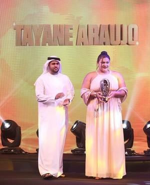 Tayane Porfírio premiação Abu Dhabi (Foto: Reprodução Twitter)