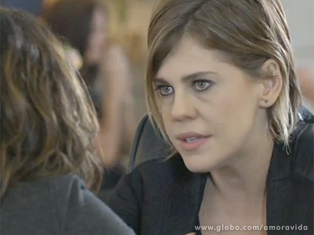 Edith desconfia das atitudes de Félix (Foto: Amor à Vida/TV Globo)