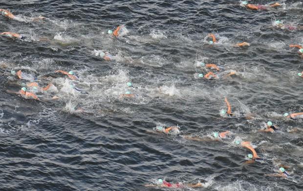 A natação é considerada a atividade física mais completa entre os médicos
