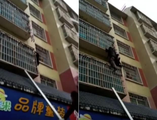 Dois homens que passavam pelo local escalaram o prédio para ajudar a criança (Foto: Reprodução/YouTube/CCTV News )