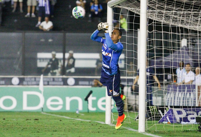 Renan avai vasco (Foto: RUDY TRINDADE/FRAMEPHOTO/ESTADÃO CONTEÚDO)