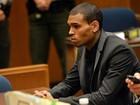 Chris Brown declara inocência em acusação de colisão e fuga