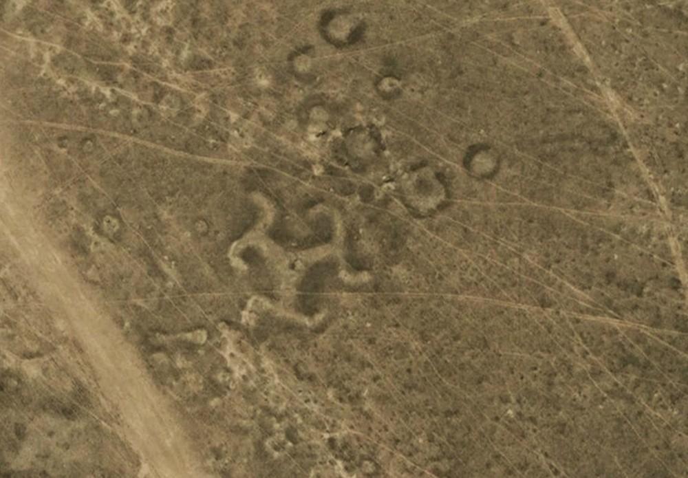 Foram encontrados mais de 50 geoglifos no norte do Cazaquistão (Foto: Reprodução)