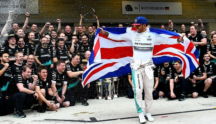 Lewis Hamilton tricampeão da Fórmula 1 (Foto: Getty Images)