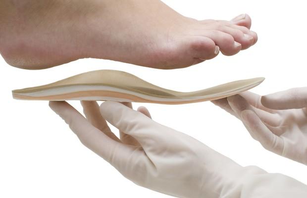 pé; palmilha; ortopedia (Foto: ThinkStock)