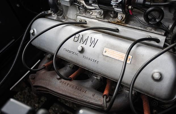 Motor V8 do BMW 507 1959 é mais potente do que dos primeiros modelos (Foto: Divulgação)