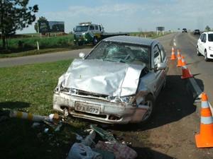 Acidente em Almirante Tamandaré destrui veículo e fez uma vítima (Foto: Divulgação/PRF Carazinho)