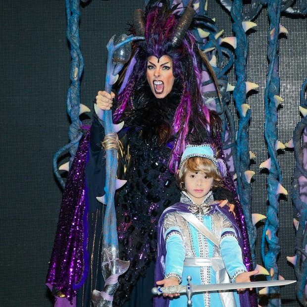 Adriane Galisteu atuará ao lado do filho, Vittorio, em peça infantil (Foto: Manuela Scarpa/Brazil News)
