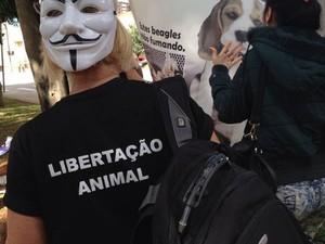 Manifestante usa máscara (Foto: Jéssica Pereira/ Arquivo Pessoal)
