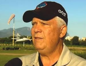Carlos Gonzaga, integrante da Esquadrilha Céu (Foto: Reprodução SporTV)