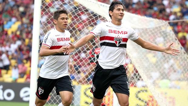 Ganso comemoração jogo Flamengo x São Paulo (Foto: André Durão / Globoesporte.com)
