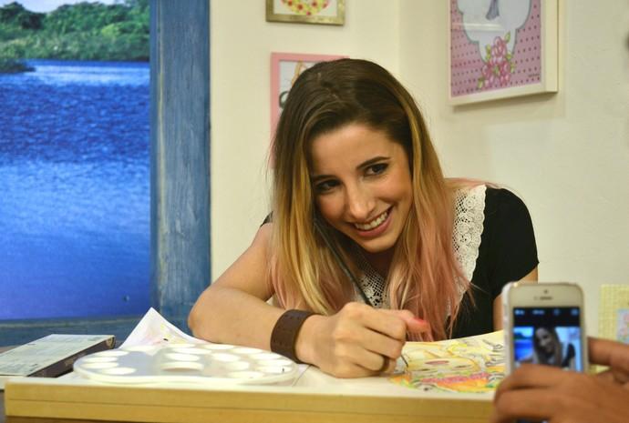 Camila também usa a internet para divulgar o seu trabalho (Foto: Luana Daubian)