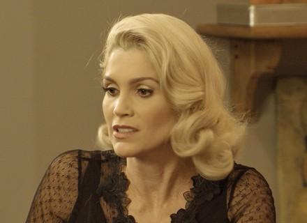 Sandra vai internar Anastácia em hospício