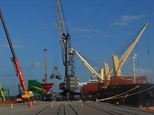 Porto do Itaqui é quinto maior em movimentação de cargas do país (Foto: Mieko Wada/G1)