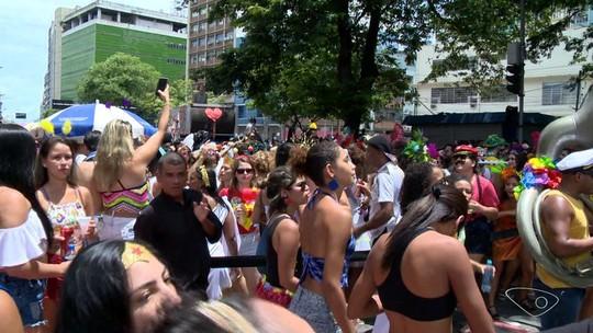Regional da Nair colore ruas de Vitória pelo 7º ano no carnaval