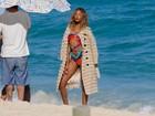 Supermodelo Jourdan Dunn mostra demais em praia no Rio de Janeiro
