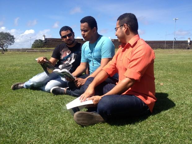Poetas Azuis acreditam que produção poética tem crescido no Amapá (Foto: Fabiana Figueiredo/G1)