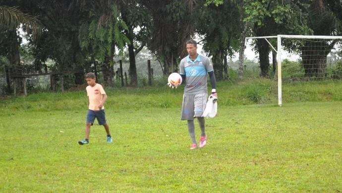 Edivandro, goleiro do Atlético-AC (Foto: Duaine Rodrigues)