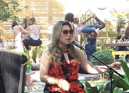 Naiara Azevedo lança música 'Beba Mais' no 'É de Casa'