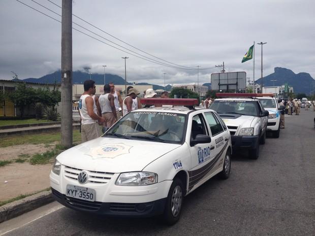 Operação da Guarda Municipal causou correria entre ambulantes (Foto: Isabela Marinho/ G1)