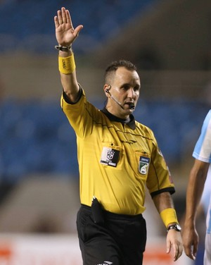 Leonardo Garcia Cavaleiro, árbitro (Foto: Úrsula Nery / FERJ)