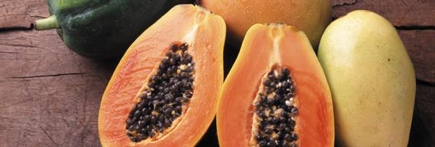 O mamão papaya: antioxidantes, que incluem as vitaminas C e E e betacaroteno, são ótimos para reduzir inflamações e acnes (Foto: Think Stock)