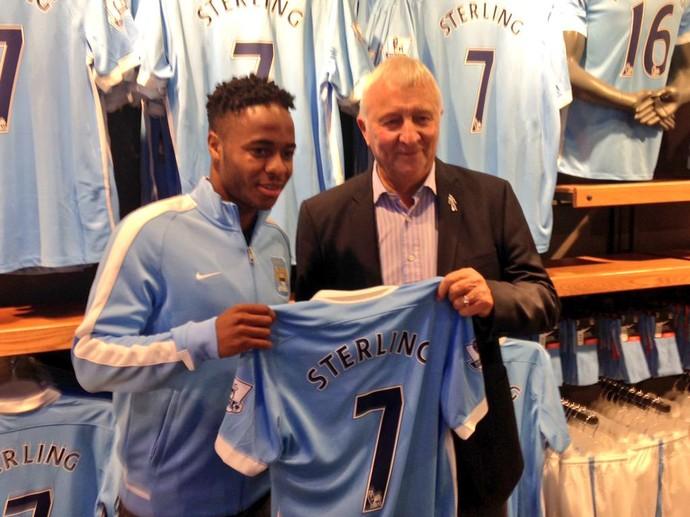 Sterling Manchester City (Foto: Reprodução/Twitter)