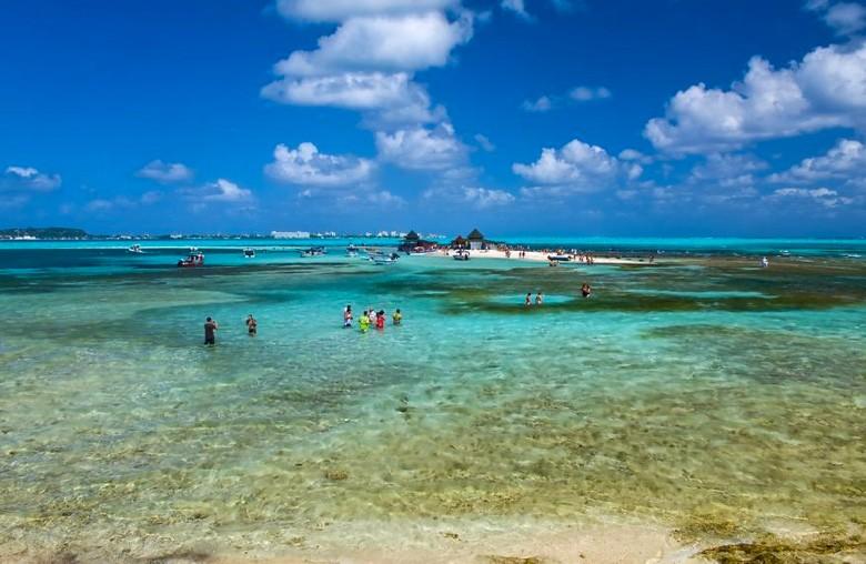 Ilha paradisaca de Johnny Cay (Foto: Divulgao)