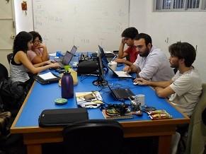 No BNI, estudantes universitários fazem análise de crédito (Foto: Divulgação/ BNI)