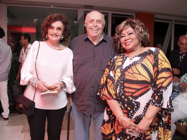 Rosamria Murtinho e Mauro Mendonça na festa de aniversário da cantora Alcione na Zona Oeste do Rio (Foto: Alex Palarea/ Ag. News)