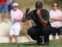 Após quase 16 meses parado, Tiger Woods tem reestreia discreta no golfe