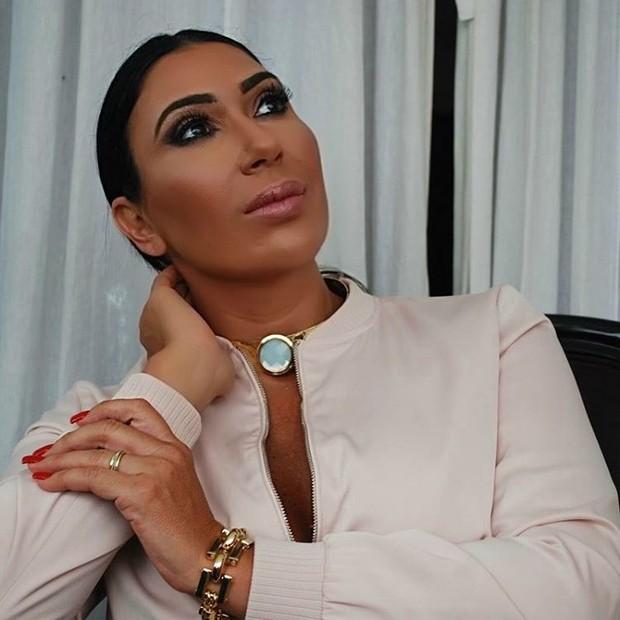 Ana Paula Larry, a Kim Kardashian da Ilha (Foto: Reprodução/Instagram)