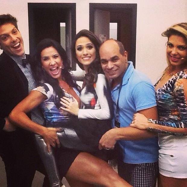 Fábio Porchat, Scheila Carvalho, Tatá Werneck, Kaká Moraes e Sheila Mello (Foto: Instagram/ Reprodução)