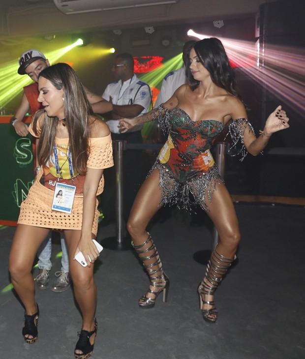 Carol Sampaio e Thaila Ayala (Foto: Divulgação/CamaroteN1)