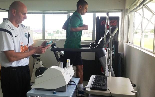 Alex faz as primeiras avaliações no Coritiba (Foto: Divulgação/site oficial do Coritiba Foot Ball Club)