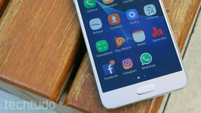 Galaxy J5 Metal roda Android 6.0 Marshmallow com a interface TouchWiz (Foto: Ana Marques/TechTudo)
