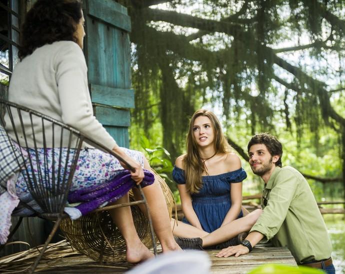 Pedro dá a entender que quer se casar com Helô (Foto: João Miguel Júnior/TV Globo)