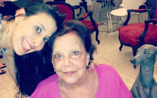 vôlei Sheilla natal com a avó (Foto: Reprodução)