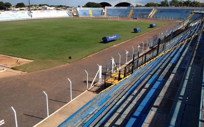 Estádio Breno Ribeiro do Val Brenão Osvaldo Cruz (Foto: João Paulo Tilio / Globoesporte.com)