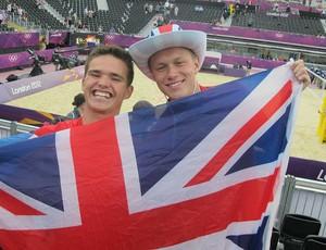 Jovens britânicos no vôlei de praia (Foto: Cahê Mota / Globoesporte.com)