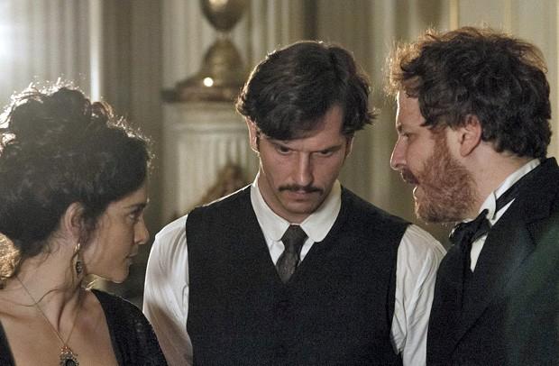 Alice Braga, Vladimir Brichta e Pedro Brício em 'Muitos homens num só' (Foto: Divulgação)