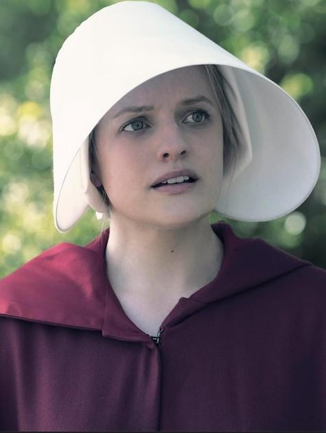 Elisabeth Moss em 'The handmaid's tale' (Foto: Reprodução)