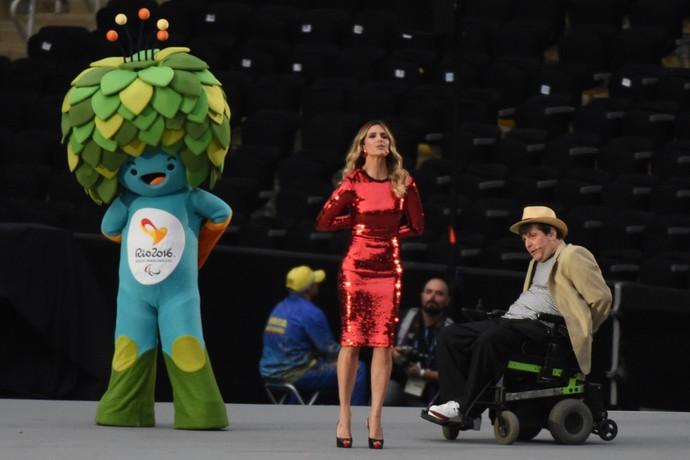 Cerimônia de abertura da Paralimpíada Rio 2016 - Marcelo Rubens Paiva e Fernanda Lima (Foto: André Durão)