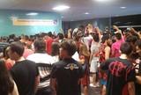 Fla e Bota seguem padrão Fifa e frustram torcida na chegada a Manaus