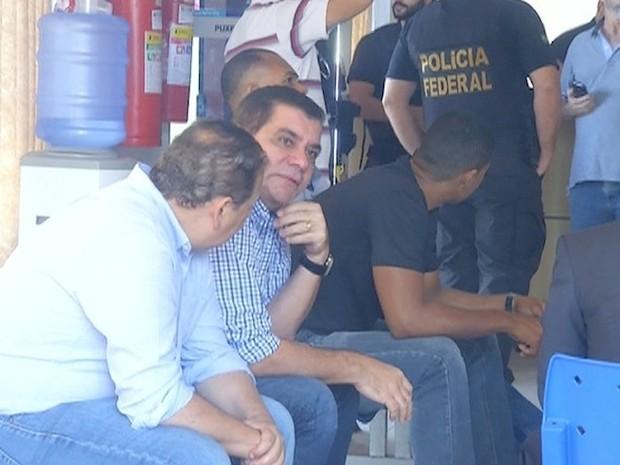 Prefeito Carlos Amastha depõe na Polícia Federal   (Foto: Reprodução/TV Anhanguera)